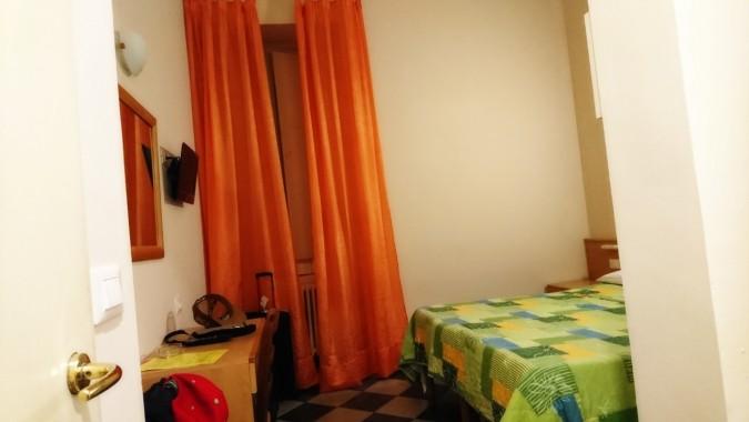 FLORENZ_HOTELROOM
